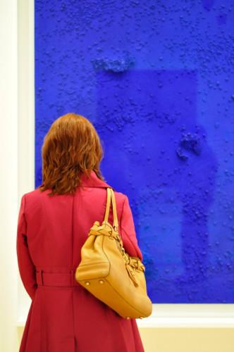 kunstwerk-dame-handtas-blauw-rood_fli_mlaudisa_2